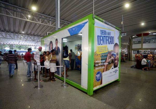 distribuição do bilhete avulso na Estação Pirajá_Foto_Jefferson Peixoto_Secom_Pms